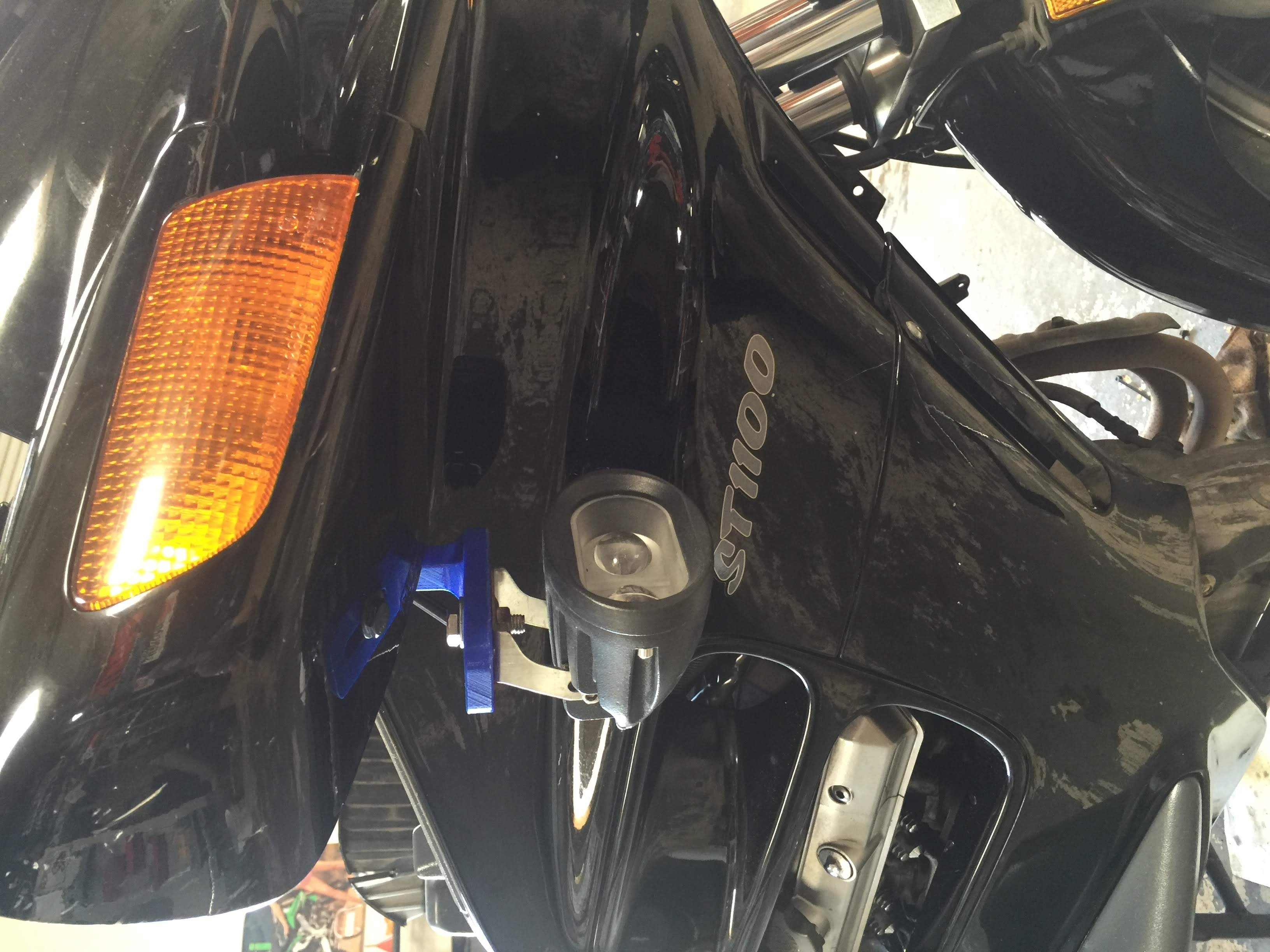 ST1100 Under Mirror Auxiliary Bracket